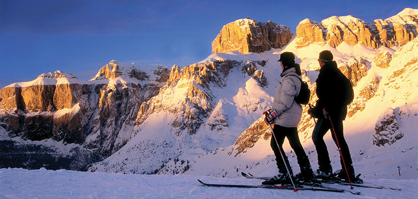 italy_dolomites_val-di-fassa_skiers_viewing.jpg
